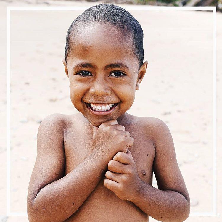 Ce sourire Le premier article de mon voyage aux leshellip